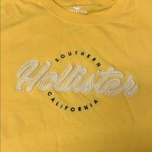 💛Yellow Hollister Tee Shirt Southern California💛